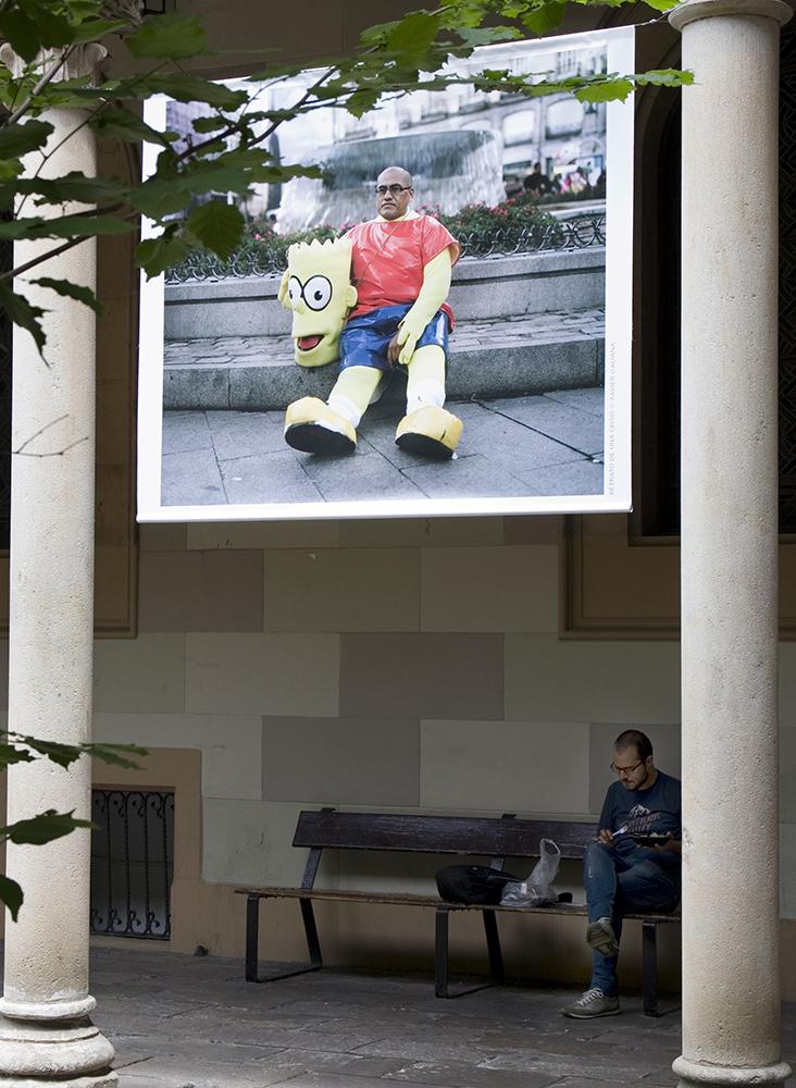 I en fotoutställning på universitetet ställer studenter ut sina framtidsperspektiv i krisens Spanien.