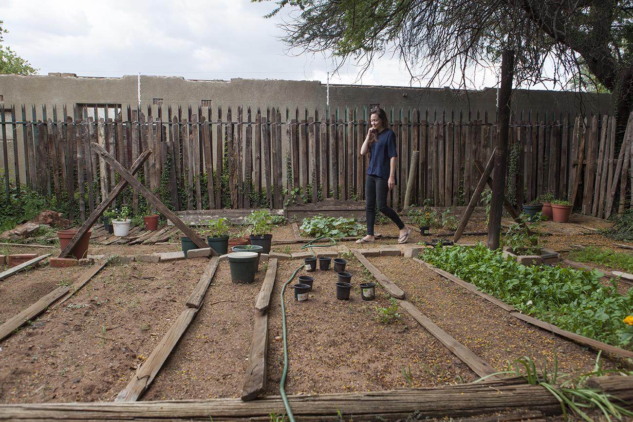 Redan innan Anna Hedlund flyttade in i sitt nya hus var hon där och gjorde ordning ett trädgårdsland.